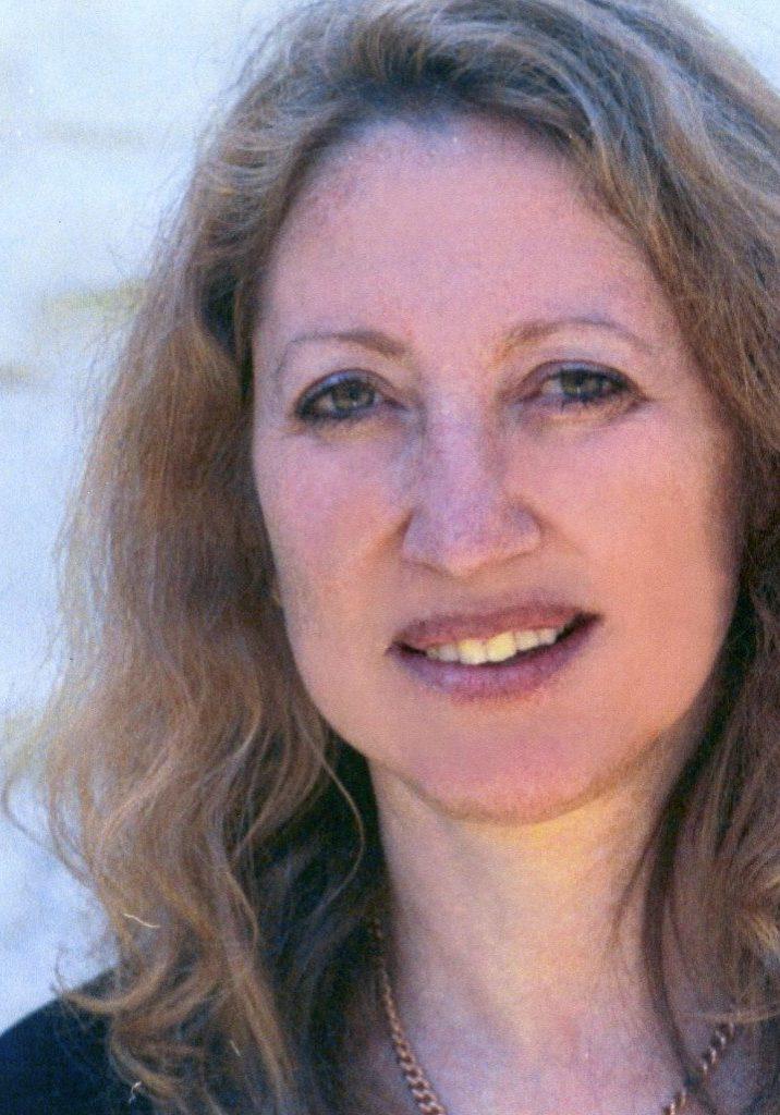 Lorell Frysh is a integral design consultant in Buckhead near Atlanta, GA